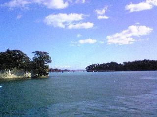 遊覧船で松島観光