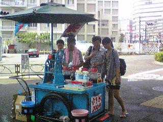暑さの中で交通安全運動